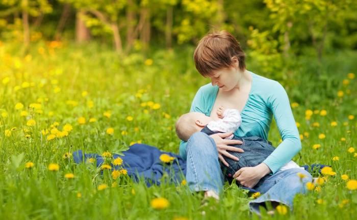 Θηλασμός: Ψυχική γέφυρα μεταξύ μητέρας και παιδιού