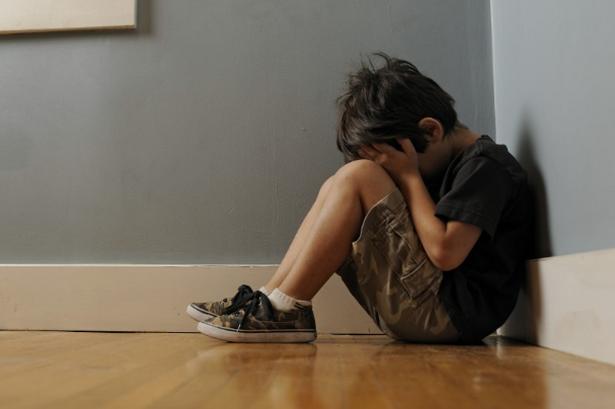 Η κακή παιδική ψυχική υγεία δημιουργεί προβλήματα στην ενήλικη ζωή