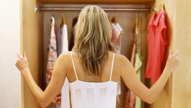 Πόνοι στη μέση και αυχενικό: Μήπως φταίνε τα… ρούχα σας;