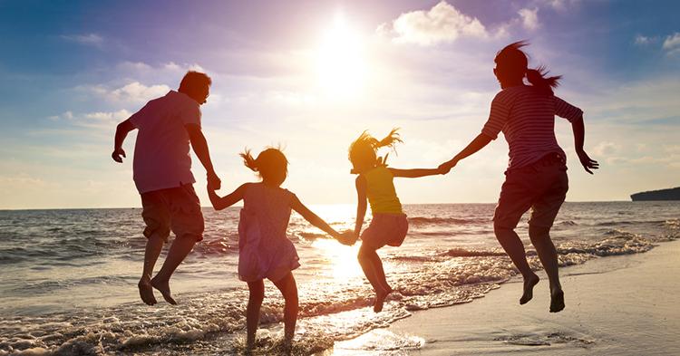 Οικογενειακές διακοπές; Τι δεν πρέπει να λείπει από την βαλίτσα σας...